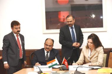 India, Swiss Discuss Ways to Handle 'Black Money Holders'