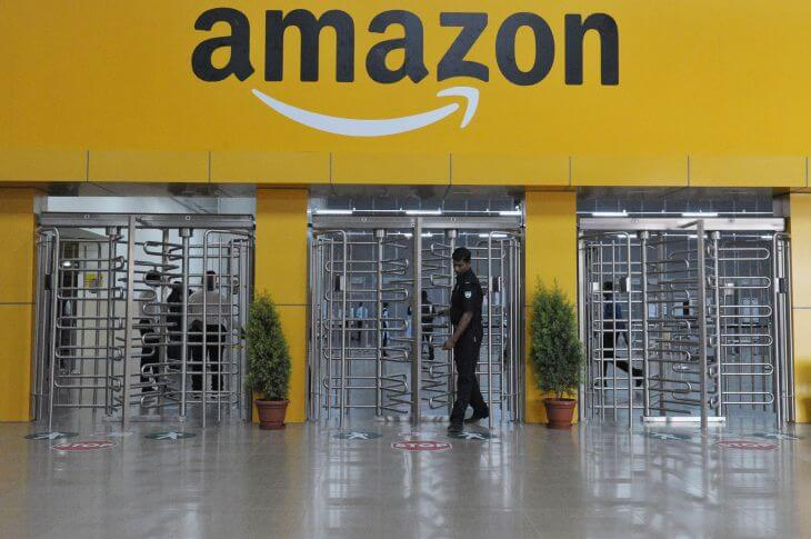 Amazon Eyes India's Offline Retail Space, Makes Strategic Deal