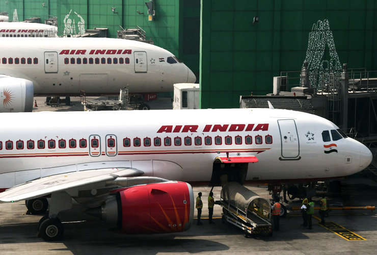 Amid Losses, India Calls for Air India Stake Sale