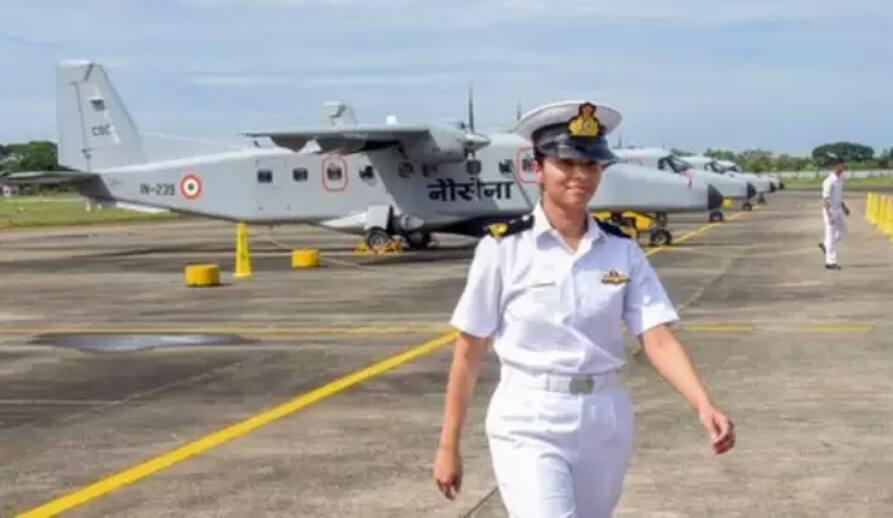 First Woman Pilot Shivangi Singh of Rafale Squadron