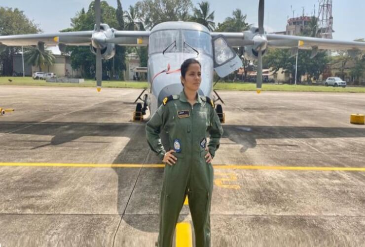 Lieutenant Shivangi Singh Becomes First Woman Pilot of Rafale Squadron
