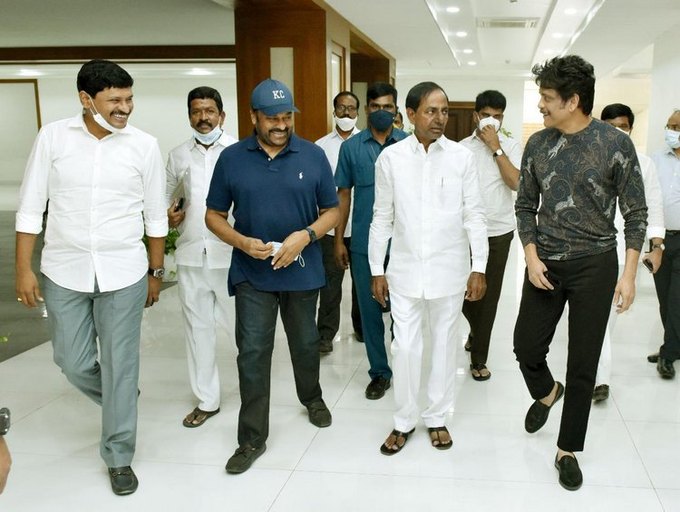 Chiranjeevi Met Telangana CM KCR on Saturday!